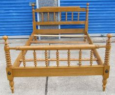 Willett Furniture maple Lancaster County spindle bed