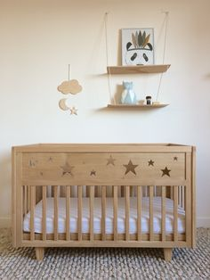 The new version of the Bed Stars has arrived and will soon be nestling in the nest that you are going to conceive for baby.A bed in Ash Wood or painted in White (Bio painting baby and play … rnrnSource by Baby Bedroom, Baby Room Decor, Nursery Room, Diy Crib, Diy Bed Frame, Baby Box, Cot Bedding, Baby Furniture, Baby Cribs