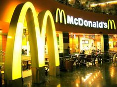 McDonald's was recently the victim of a hoax in which a letter was posted at the fast food chain's restaurant claiming that McDonald's is charging African-Am. Mcdonalds, Le Happy, Kfc, Cv Online, Fast Food Chains, Getting Fired, Fast Food Restaurant, Big Mac, Odense