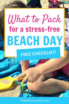 Planning a beach day with kids? This free printable beach packing list has all the essentials for a family day trip to the beach. Grab the printable PDF beach bag checklist to make sure you don't forget anything! Kids Beach Bag, Beach Fun, Summer Beach, Beach Day Food, Beach Babies, Baby Beach, Free Beach, Beach Bag Essentials, Tejidos
