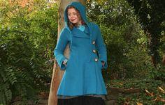 Lange Mäntel - Walkmantel mit Kapuze blau - ein Designerstück von basia-kollek bei DaWanda