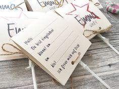 Diese süßen Lollies sind schön verpackt und mit einer Kordel gebunden. Es gibt mehrere Farben zur Auswahl. Auf der Rückseite befindet sich ein Einladungstext den nach deinem Wunsch angepasst...