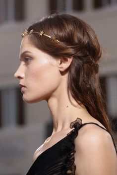 Hair crowns at Valentino Fall 2015 Couture