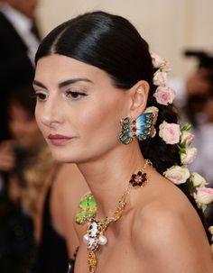 La chevelure fleurie de Giovanna Battaglia Met ball 2014