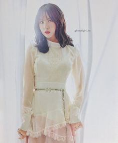 Mrzzto_ Be in Bloom (Scan) Kpop Girl Groups, Korean Girl Groups, Kpop Girls, Jung Eun Bi, G Friend, Daughter Of God, Korean Singer, Pop Group, South Korean Girls