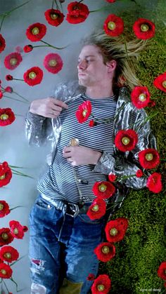 my gifs kurt cobain nirvana Heart Shaped Box in utero Montage of Heck Kurt Cobain Photos, Nirvana Kurt Cobain, Nirvana Art, Nirvana Lyrics, Kurt And Courtney, Kurt Cobin, Donald Cobain, Scott Weiland, Rock Poster