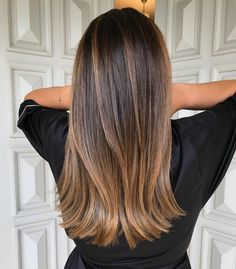 A Comprehensive Overview on Home Decoration in 2020 (With images) Dyed Blonde Hair, Brown Hair Balayage, Brown Blonde Hair, Balayage Straight, Pretty Brunette, Brunette Hair, Biolage Hair, Underlights Hair, Gorgeous Hair
