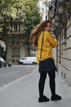 Just me around París. @nlehmannr #streetstyle  #paris #fashion #traveler