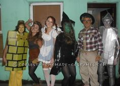 Fun-to-Make Group Costume of Wizard of Oz... This website is the Pinterest of costumes