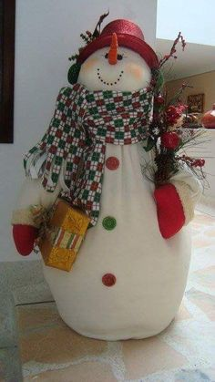 Snowman - Family Of Three Christmas Gnome, Primitive Christmas, Christmas Projects, Christmas Ornaments, Decoration Christmas, Xmas Decorations, Snowman Crafts, Holiday Crafts, 242