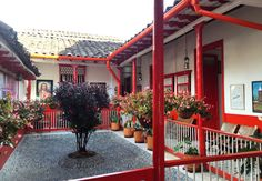 Casa Paisa, Casa Colonial Courtyard House, Sweet Home, Farmhouse, Exterior, Cabin, House Styles, Places, Beautiful, Courtyards