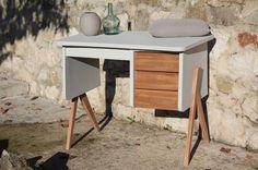 Petit bureau au design vintage des années 60 scandinave