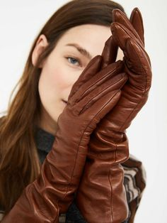 Elegant Gloves, Gloves Fashion, Star Beauty, Latex Gloves, Smart Outfit, Classy Women, Looking For Women, Sexy Dresses, Lady