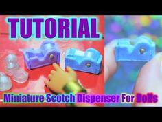 Tutoriel : scotch miniature pour nos dolls 🎒 Barbie, Doll Tutorial, Lps, Pet Shop, Scotch, Usb Flash Drive, Miniatures, Youtube, Pet Store