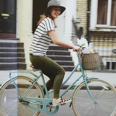 Cycle Chic - Deliciously Ella on a Bobbin Birdie bike in Light Teal. Perfection!