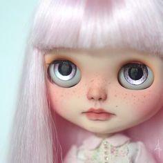 Custom Doll for Adoption by Art_emis  CHECK HERE  http://etsy.me/2zV6qHJ  #blythe #dollycustom #blythecustom #blythecustomizer #ooakblythe #customblythe #kawaii #doll #artdoll #dollstagram #blythestagram #blythelover #ブライス