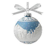 Porseleinen kerstbal Carol Singers, wit/blauw, diameter 8 cm