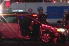 Un hombre se encuentra hospitalizado después de ser apuñalado varias veces por un conductor el sábado en la noche.    El incidente fue reportado en el Upper East Side poco después de las 11