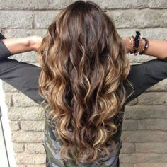 How to Chic: 10 NEW HAIRSTYLES TO TRY NOW-perfect soft curls in this photo