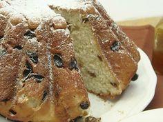 ricetta tradizionale tedesca, quella del Kugelhopf, un pane ricco molto buono da mangiare con marmellata o cioccolata a colazione