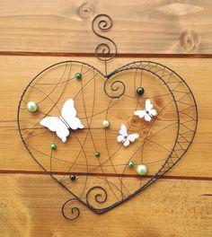 Závěsná dekorace srdce + motýlci