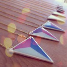collar geométrico  triángulo grande por mariatornearte en Etsy, €22.00