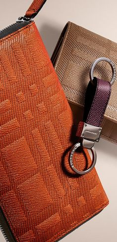 Wallets in check-embossed leather - Autumn/Winter 2014 accessories