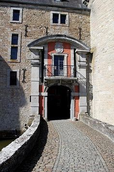 Art Chateau de Lavaux-Sainte-Anne travel-and-places