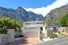 Ravensteyn - The Lazy Landlord Open Plan Living, Being A Landlord, Living Area, Villa, Patio, Mansions, House Styles, Modern, Summer