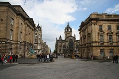 The Royal Mile, Edinburgh, Scotland by Vadrefjord (Ireland), via Flickr
