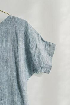 DIY Simple Shift Dress Pattern for Dressember – Fair + Simple # Japanese Sewing Patterns DIY Simple Shift Dress Pattern for Dressember Maternity Dress Pattern, Linen Dress Pattern, Tunic Dress Patterns, Simple Dress Pattern, Shirt Dress Pattern, Dress Pattern Free, Pattern Draping, Tunic Dresses, Tunic Pattern