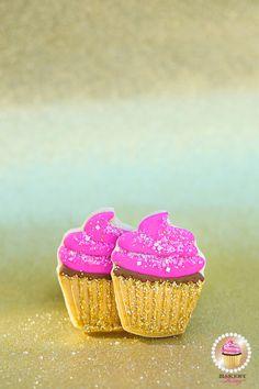 Shop our fabulous Bakery Bling™ Glittery Sugar™! Every Dessert Deserves a Little Bling!™ www.bakerybling.com