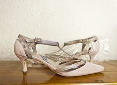 #kittenheels #shoes #tacones bajitos #pink #suede #zapatos #ante #rosa y #detalles #fantasía #handcrafted #fashion www.jorgelarranaga.com