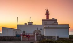 Autor da fotografia: Hugo Silva - Se gostar partilhe! #portugal #winter #cascais #caboraso #guincho #nature #landscape #sunset #orange #colors #surf #surfing #cape