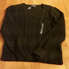 Sparkle & Shine in this Black Chaps Sweater-XL Brand new with tags and XL...Chaps Sweater...Long sleeve Black sparkly sweater...see pics for details Chaps Sweaters V-Necks