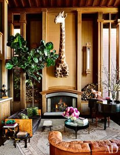Event Designer and Decorator Ken Fulk's House in San Francisco - Architectural Digest Ken Fulk, Vase With Branches, Glam Living Room, Living Rooms, Living Spaces, City Living, Family Rooms, Magical Home, San Francisco Houses