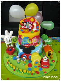 Mickey mouse clubhouse cake-- Wow!!!