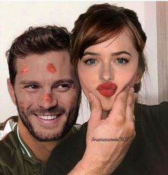 Her kisses are always the best even if it is all over your face 🥰🖤 50 Shades Trilogy, Fifty Shades Series, Fifty Shades Movie, Prom Pictures Couples, Film Pictures, Teen Couple Pictures, Jamie Dornan, Light Golden Brown Hair, Fifty Shades Quotes