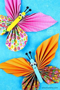 Adorable DIY Accordion Folded Paper Butterflies Craft for Tweens #papercraft #butterfly #craft #kidscraft  #kids