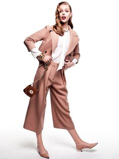 Frida Gustavsson Is Perfectly Ladylike in Vogue Japan August, Lensed by Victor Demarchelier | Fashion Gone Rogue: The Latest in Editorials and Campaigns