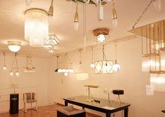 ZETILOSES DESIGN: WOKA LAMPS VIENNA Weltweite Bekanntheit erlangte Woka für die Reproduktion von Beleuchtungskörpern nach Entwürfen der Wiener Werkstätte und der großen Meister des 20. Jahrhunderts wie Josef Hoffmann und Adolf Loos.