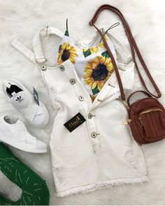 I don't like da shoes at all, but I lurve sunflowers n these style dresses Cute Summer Outfits, Girly Outfits, Outfits For Teens, Spring Outfits, Trendy Outfits, Cute Outfits, Teen Fashion, Fashion Outfits, Womens Fashion