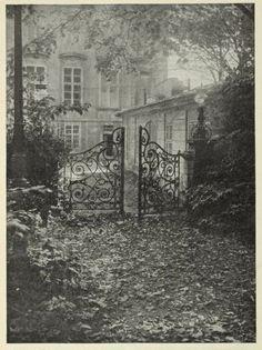 by Josef Sudek, 1933 History Of Photography, Vintage Photography, Street Photography, Prague, Old Photos, Vintage Photos, Joseph, Josef Sudek, Foto Art