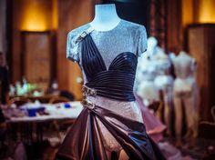 Dans les coulisses du défilé Atelier Versace haute couture automne-hiver 2014-2015 http://www.vogue.fr/mode/inspirations/diaporama/backstage-du-defile-atelier-versace-haute-couture-automne-hiver-2014-2015/19460/image/1028740
