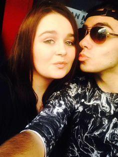 Nathan com fã (@Carol_jane69) em Brighton, na Inglaterra. #CoberturaTWBR