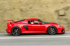 Lotus Exige S is the mother of all sports cars it can outrun a frickin' chopper