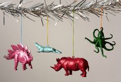 How to Make Sparkly, Glittery Animal Christmas Ornaments by Curbly.jpg (800×545)