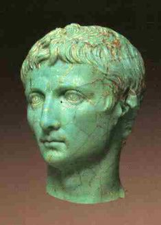 Small glass bust of Augustus in the RGM, Cologne