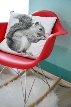 home, kedvencotthon, interiordesign, interiorstyling, kidsroom, turquoise, ombre wall, painted wall, design chair, tilka,vakum design, red chair, mid-century design, ikea, jysk, cushion, squirrel (photo: Milán Tóth)