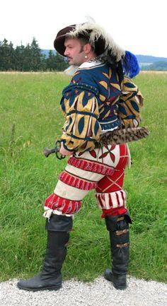 Reenactor from the Katzbalger Hessen group Renaissance Fair Costume, Medieval Costume, Renaissance Fashion, Renaissance Clothing, Renaissance Outfits, Medieval Gown, Historical Costume, Historical Clothing, Mens Garb